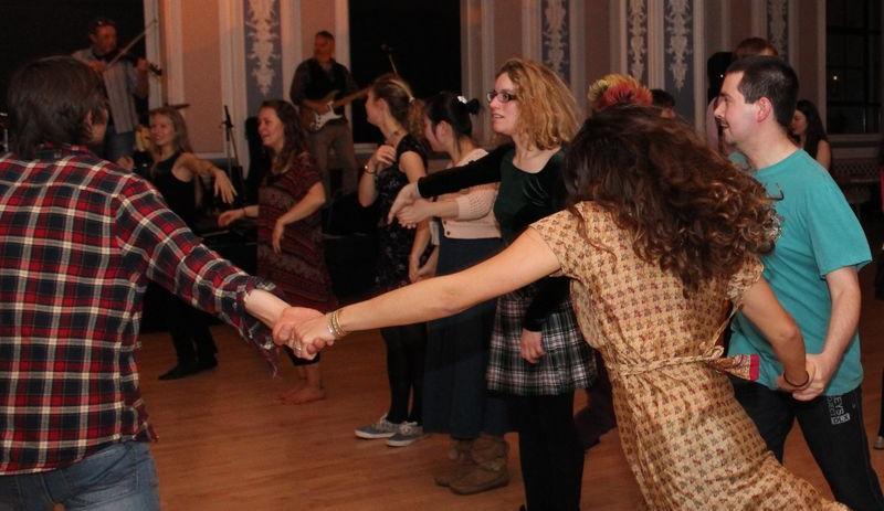 Beginners Scottish Country Dancing Classes